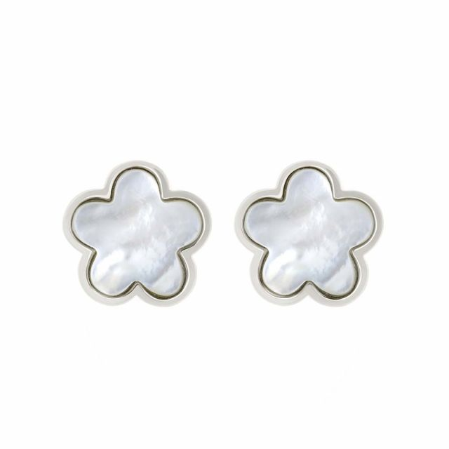 Natural Daisy Earring